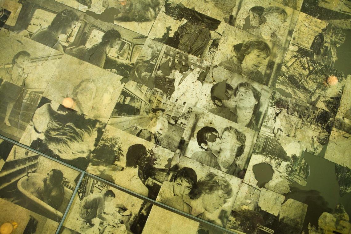 Rekonstruált padló Claudia Skoda kreuzbergi lakásából, 1976, fotó: a szerző felvétele