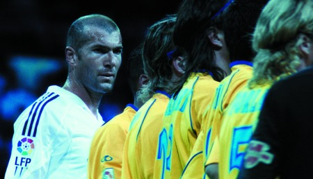 Douglas Gordon und Philippe Parreno: Zidane. A 21st Century Portrait (videó), 2005, forrás: http://www.falter.at/