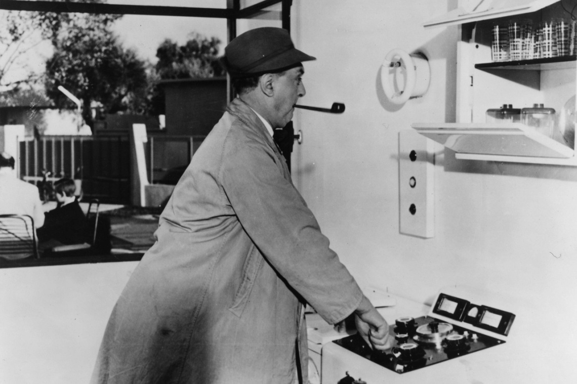 Jacques Tati: A bácsikám (képkocka a filmből), 1958 © Rue des Archives/FIA/The Kobal Collection, kép forrása: pinterest.com