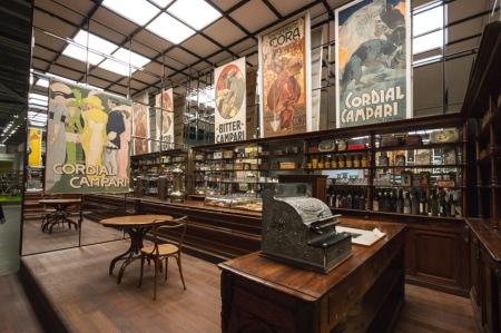 Egy századelei kávézó rekonstrukciója, kép forrása: inexhibit.com