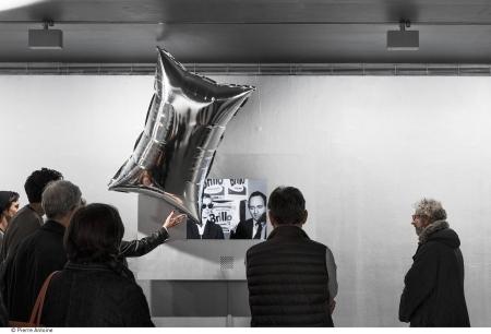 Az Ezüstfelhők installáció rekonstrukciója a kiállításon, fotó: Pierre Antoine
