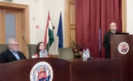 Dr. Borsodi Csaba dékán, Szabó P. Katalin és Fráter Zoltán